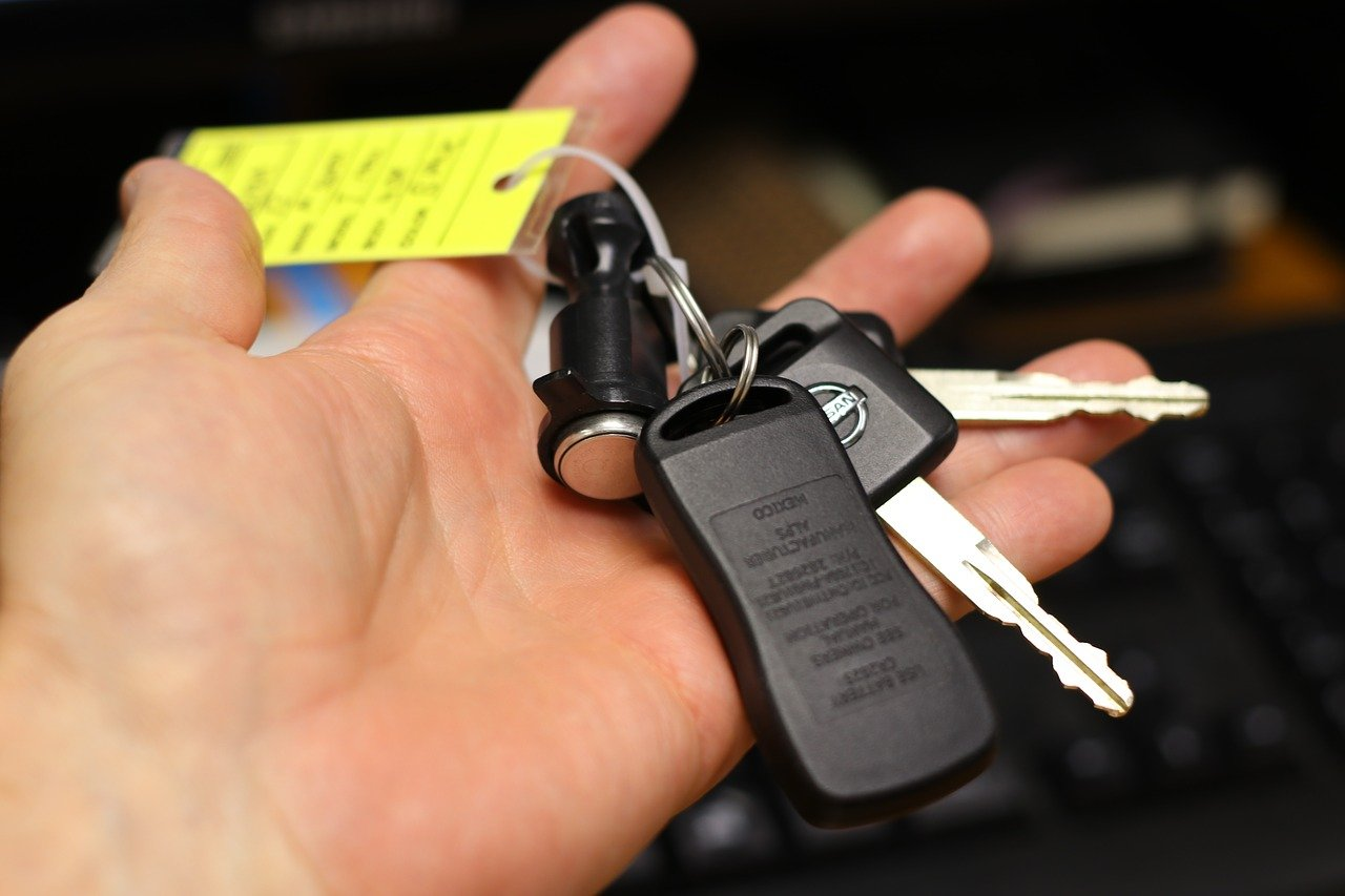 Should You Buy or Lease Your New Vehicle?